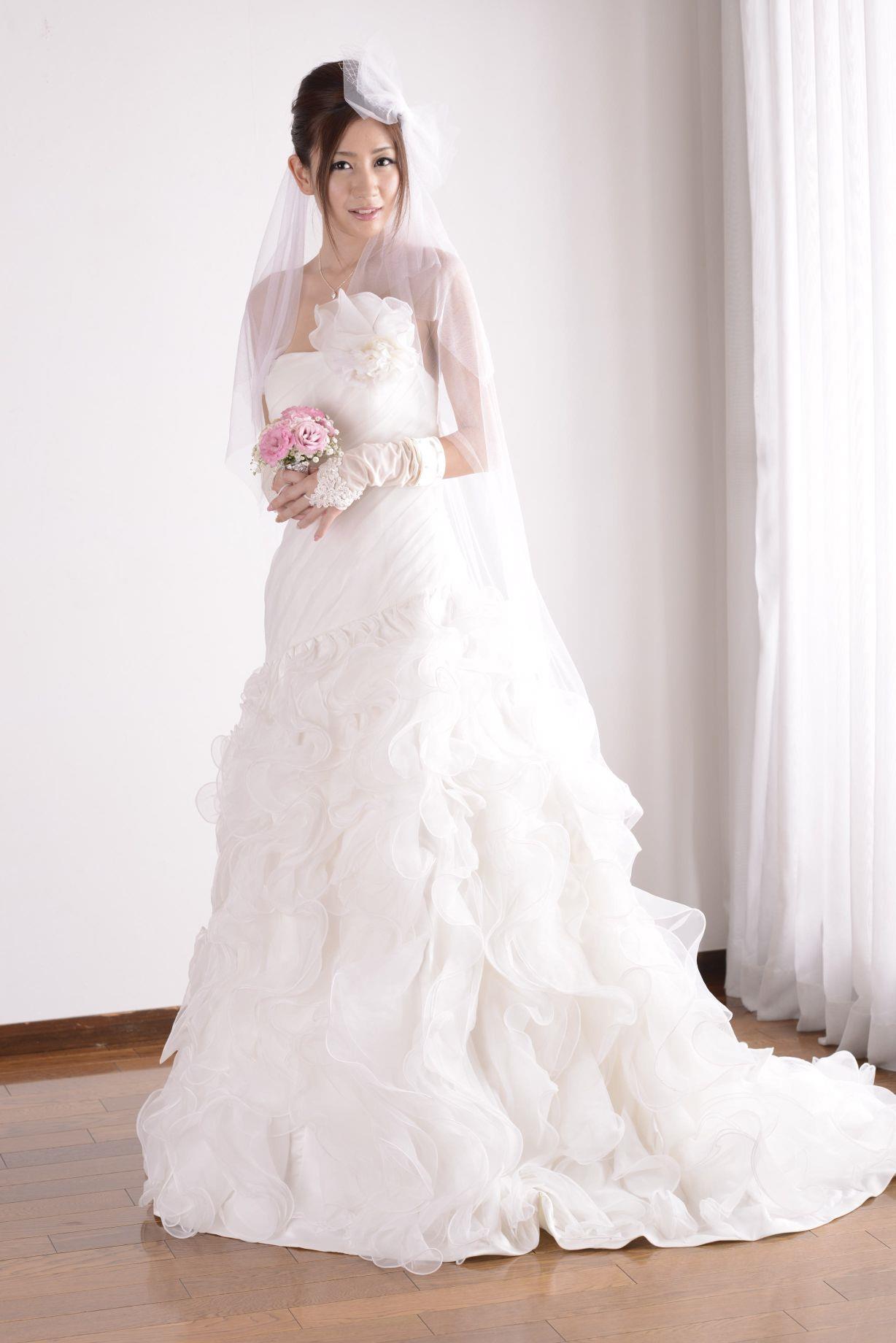 前田かおり ウェディングドレス画像 27
