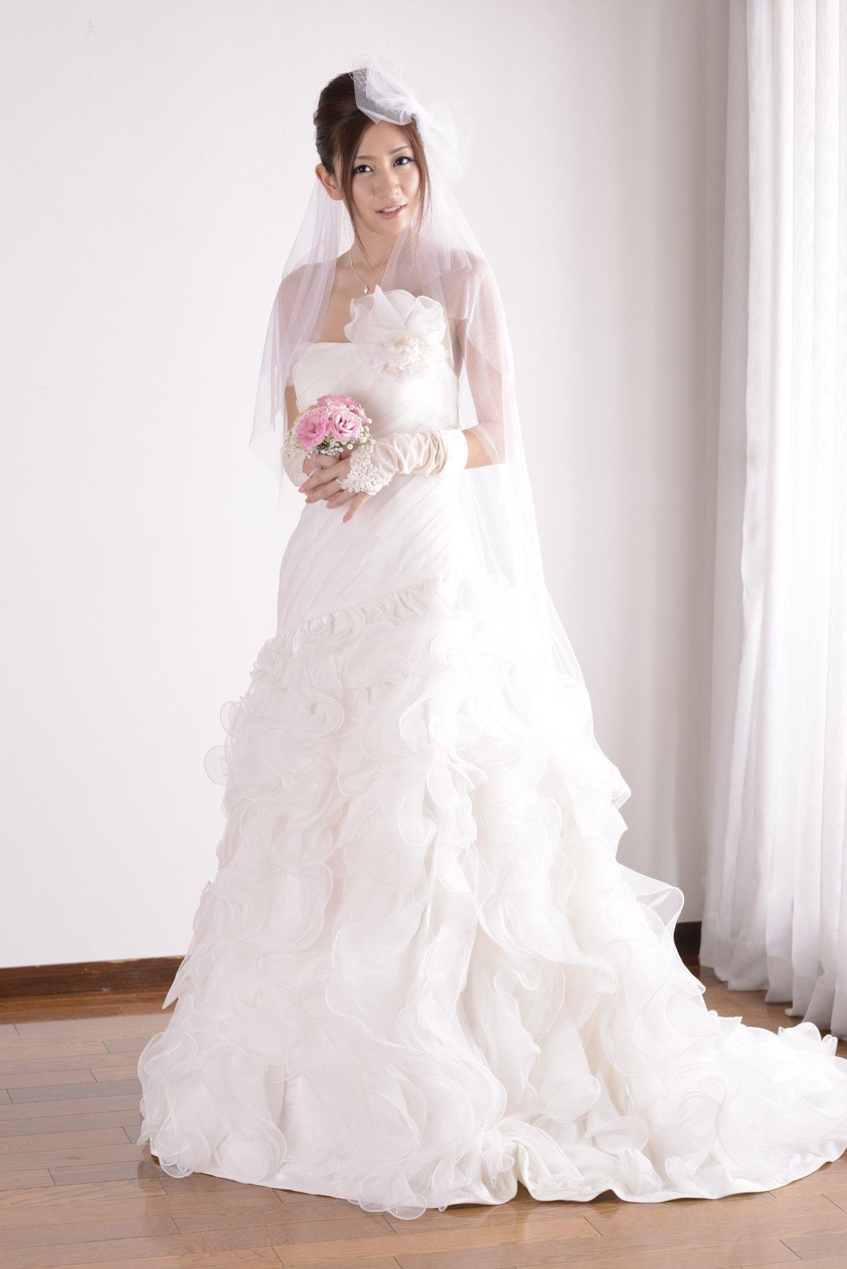 前田かおり ウェディングドレス画像 28