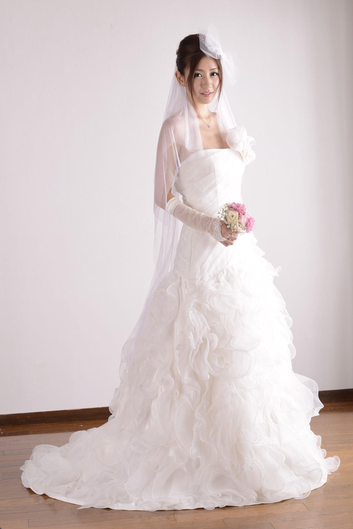 前田かおり ウェディングドレス画像 30
