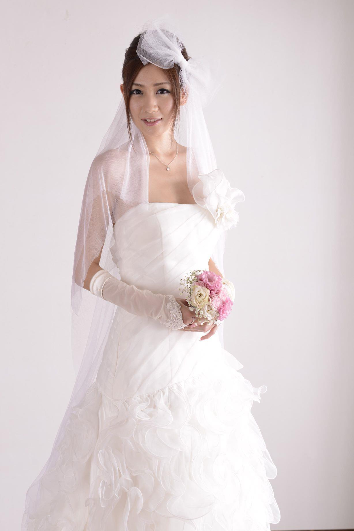前田かおり ウェディングドレス画像 32