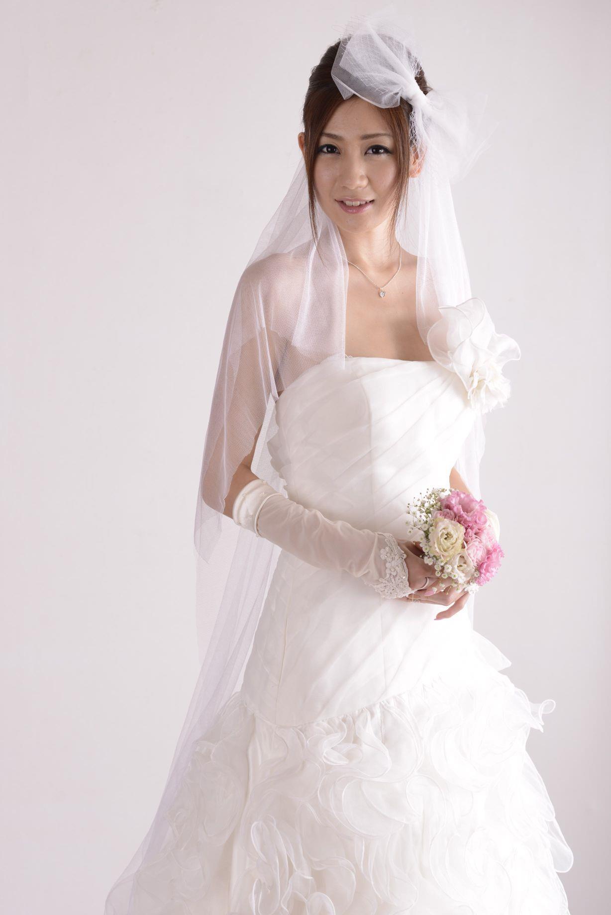 前田かおり ウェディングドレス画像 34
