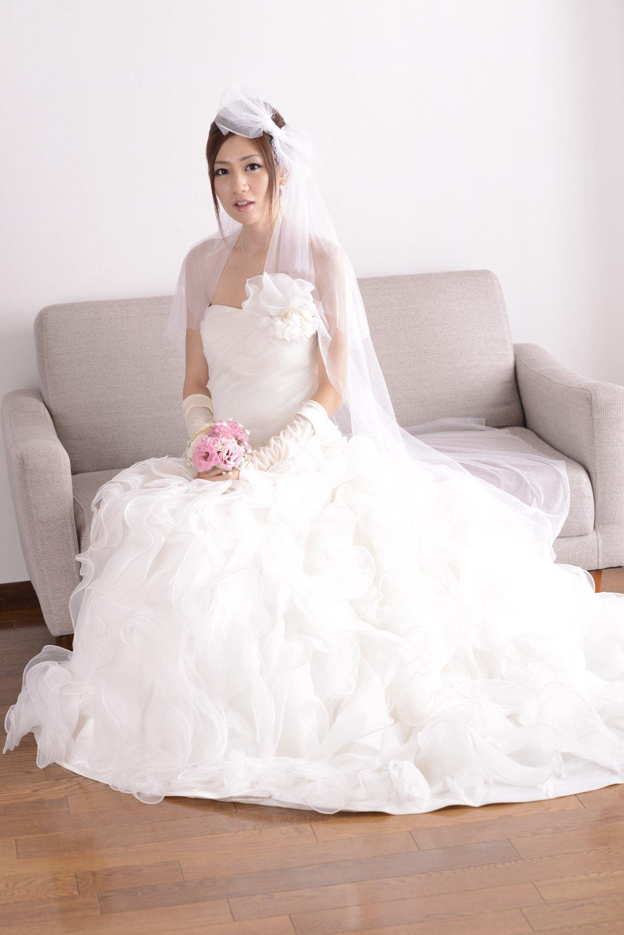 前田かおり ウェディングドレス画像 36
