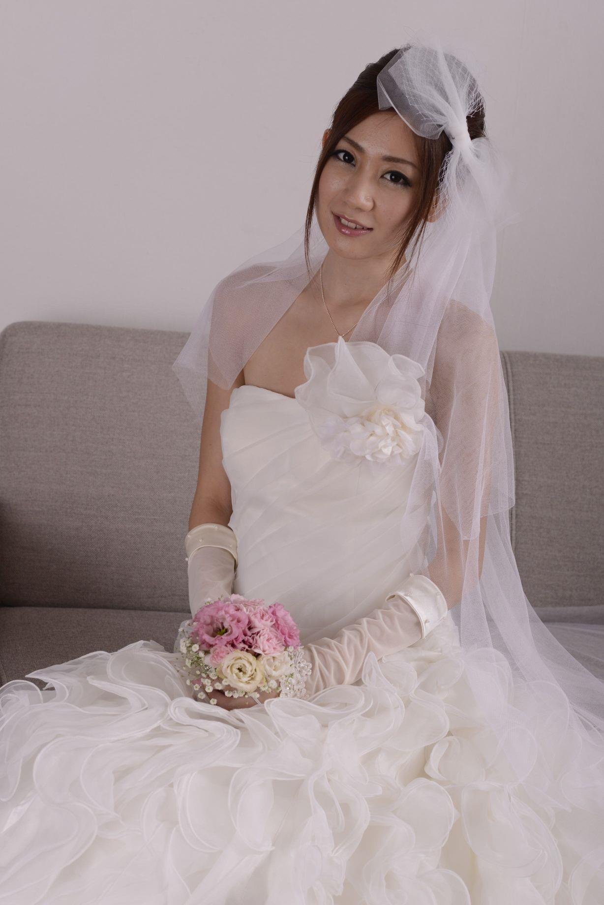 前田かおり ウェディングドレス画像 39
