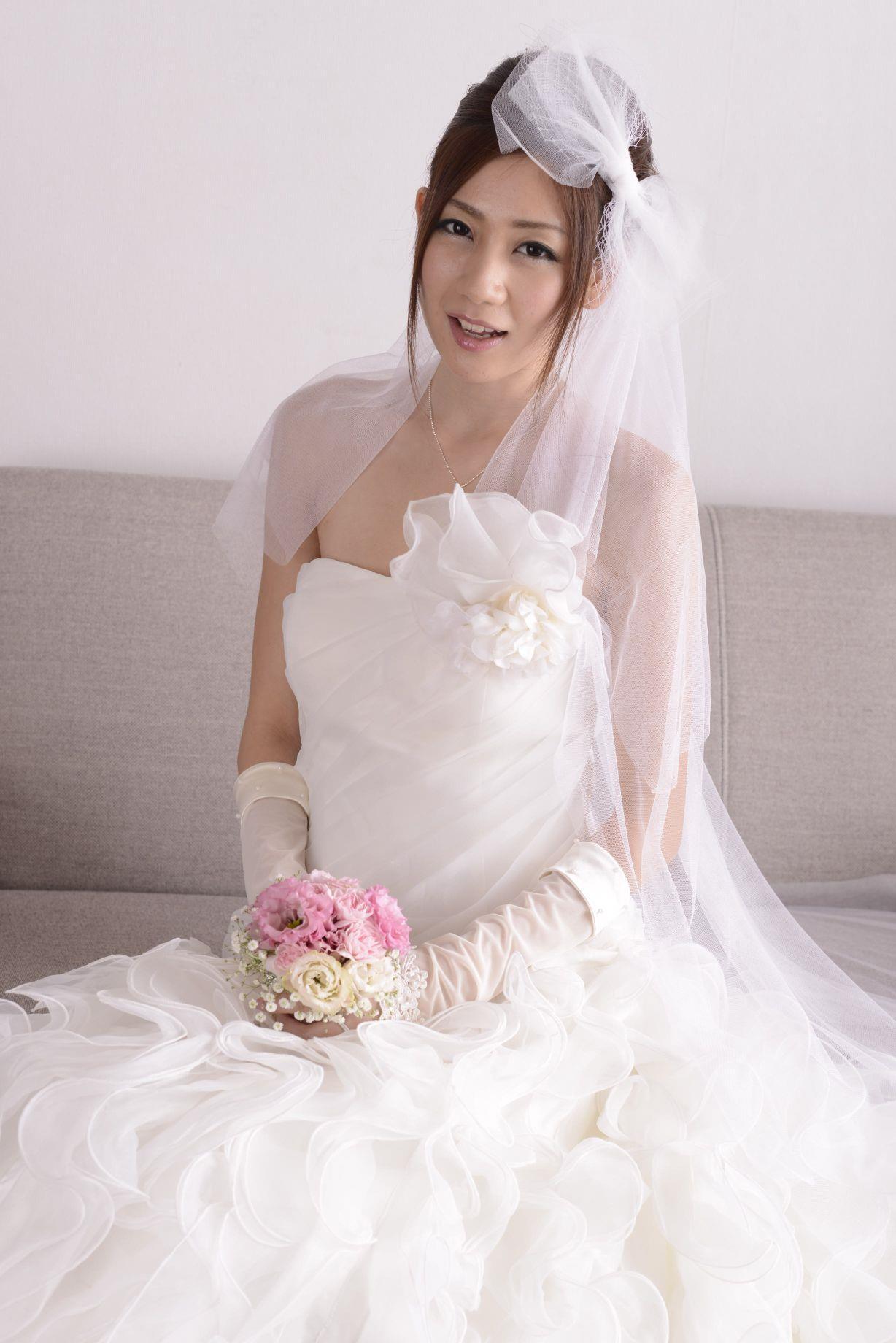 前田かおり ウェディングドレス画像 40