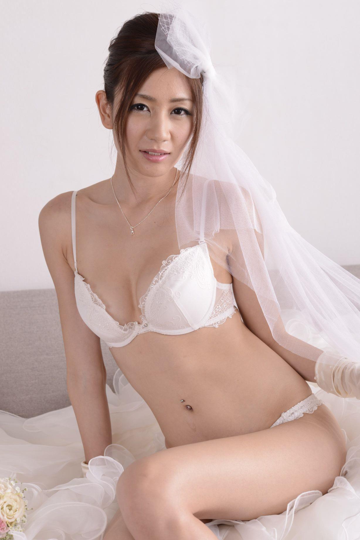 前田かおり ウェディングドレス画像 50