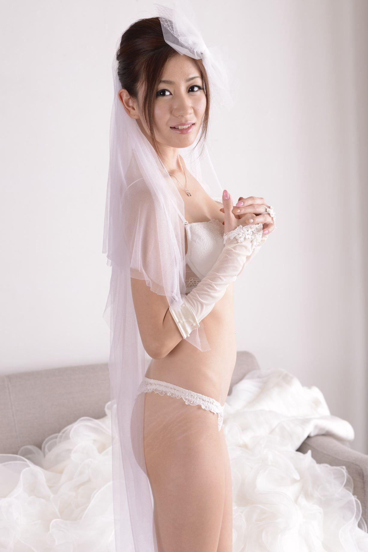 前田かおり ウェディングドレス画像 60