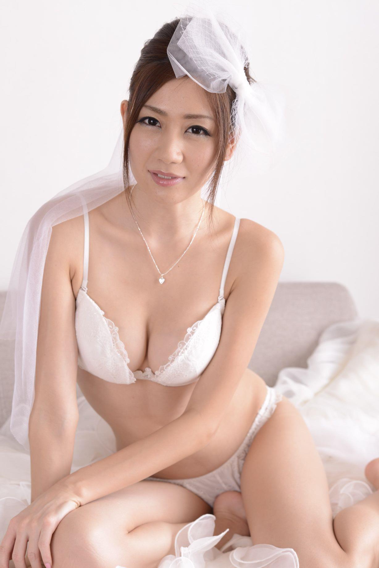 前田かおり ウェディングドレス画像 71