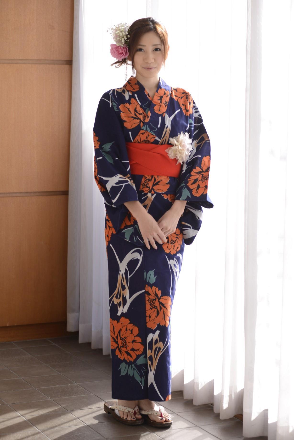 前田かおり エロ画像 1