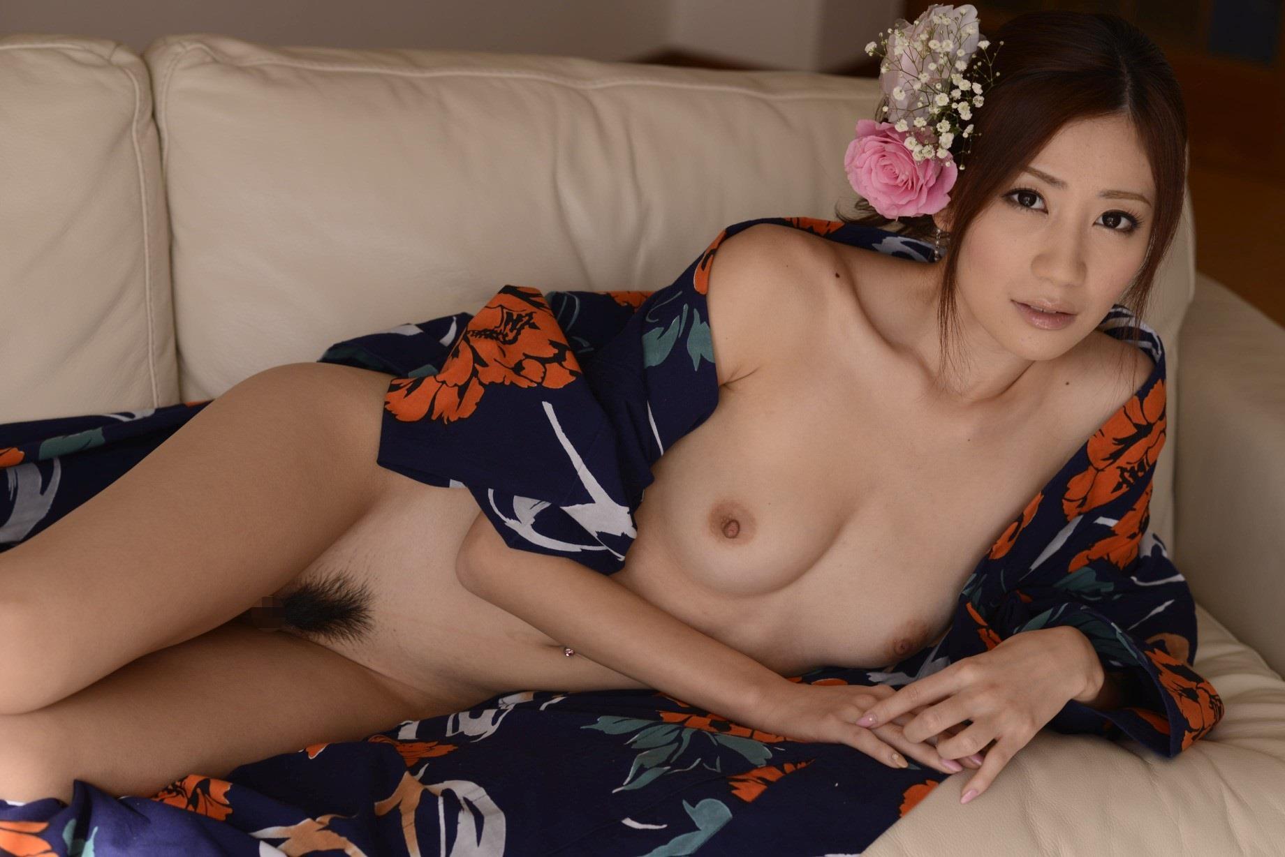 浴衣から覗きみるマンコが抜ける前田かおりエロ画像