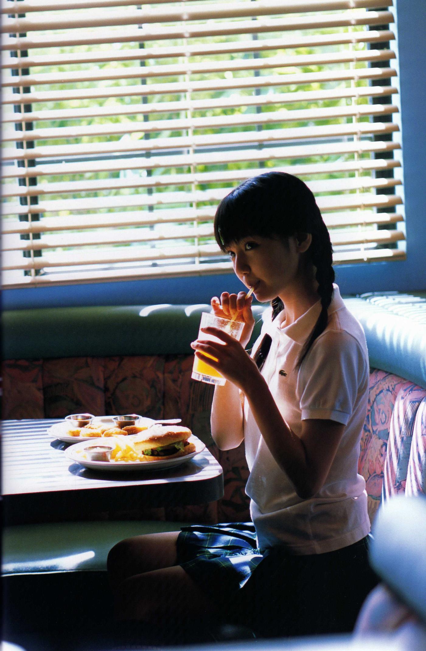 真野恵里菜 エロ画像 46
