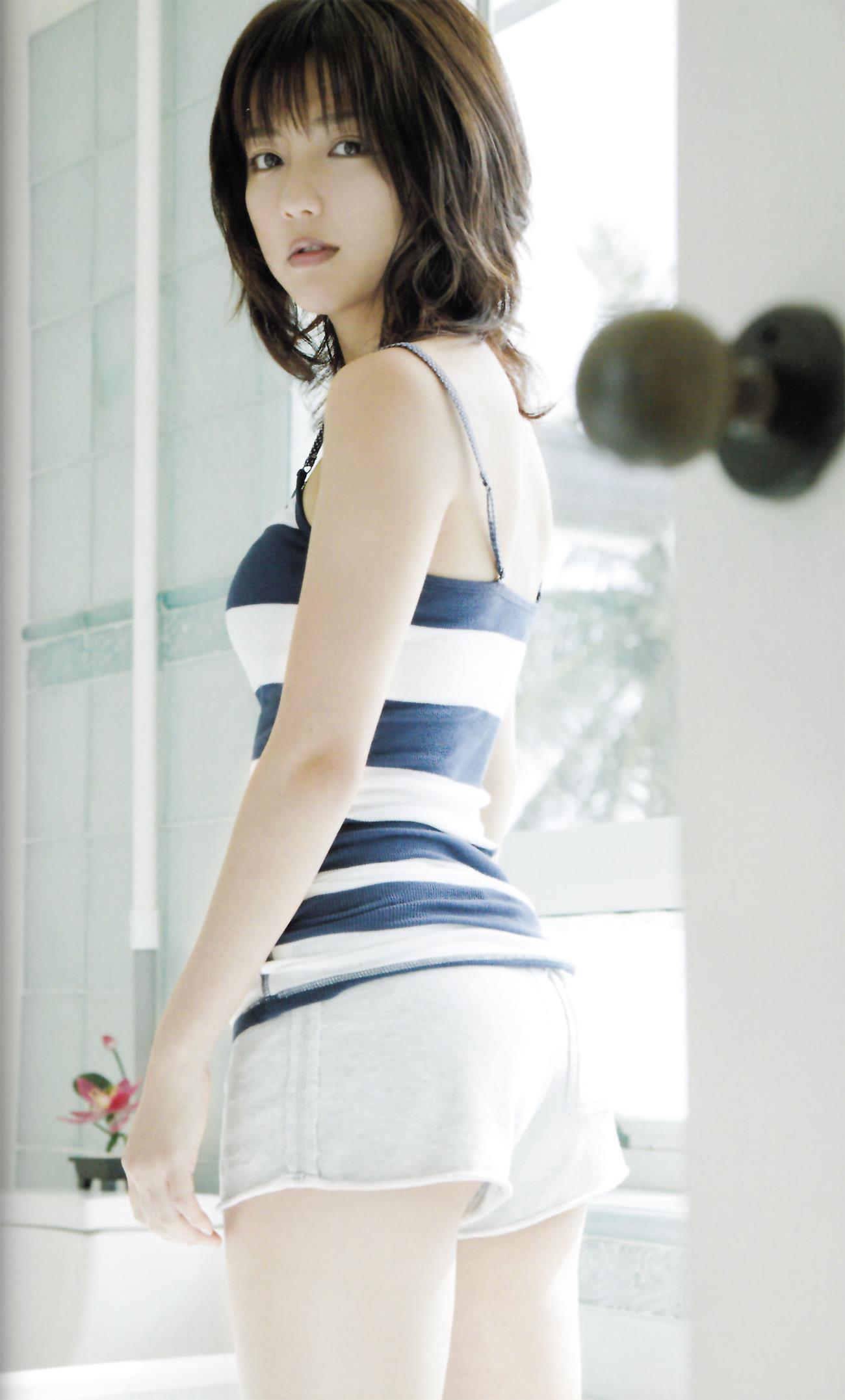 真野恵里菜 エロ画像 81