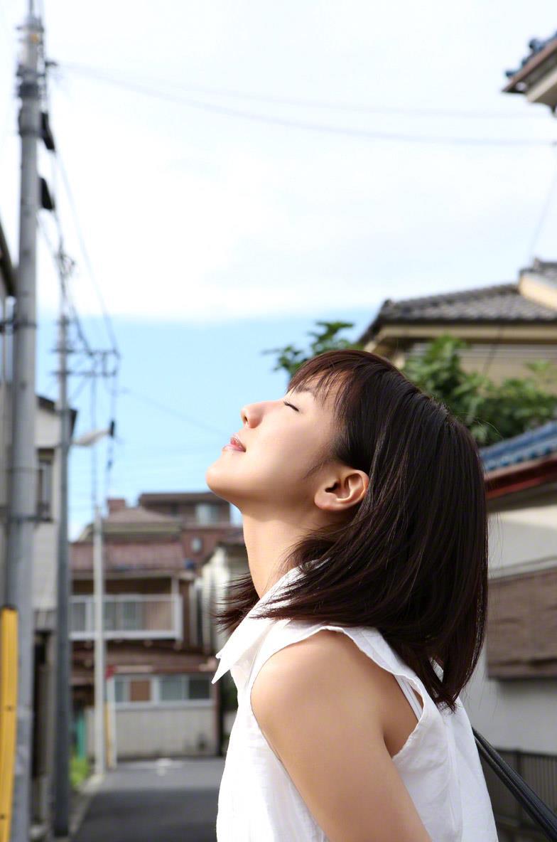 真野恵里菜 セクシー画像 2