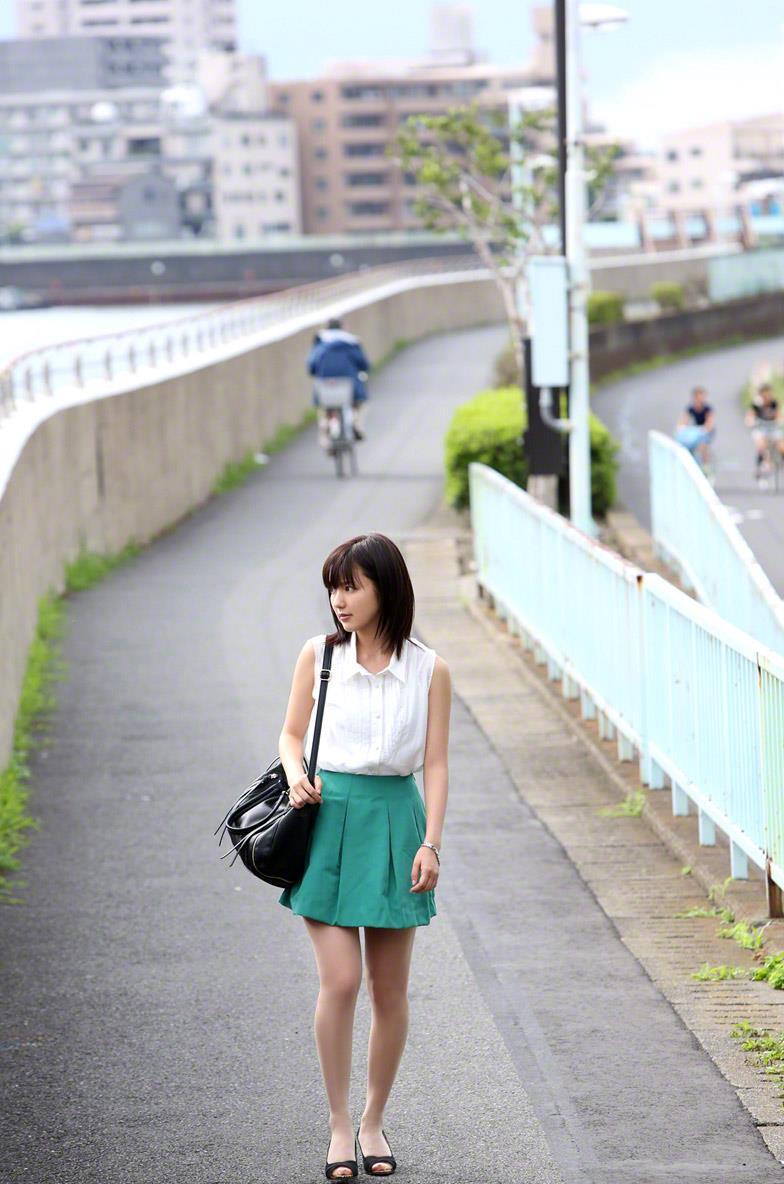 真野恵里菜 セクシー画像 4
