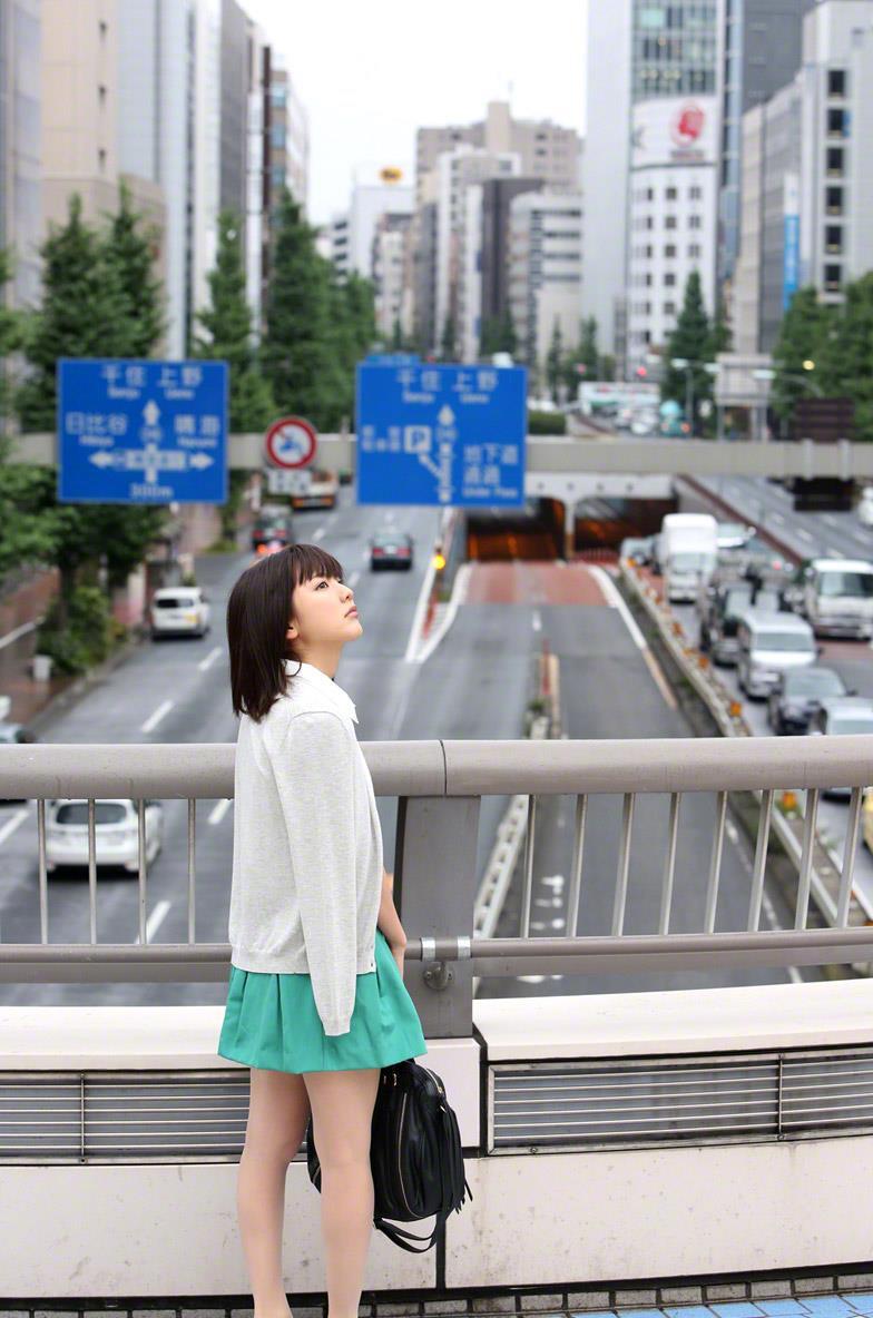 真野恵里菜 セクシー画像 8