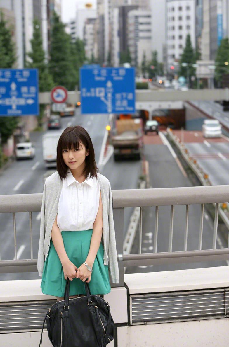 真野恵里菜 セクシー画像 9