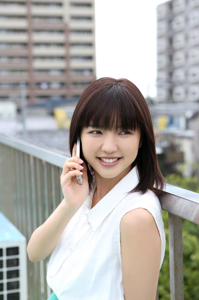 真野恵里菜 セクシー画像 11