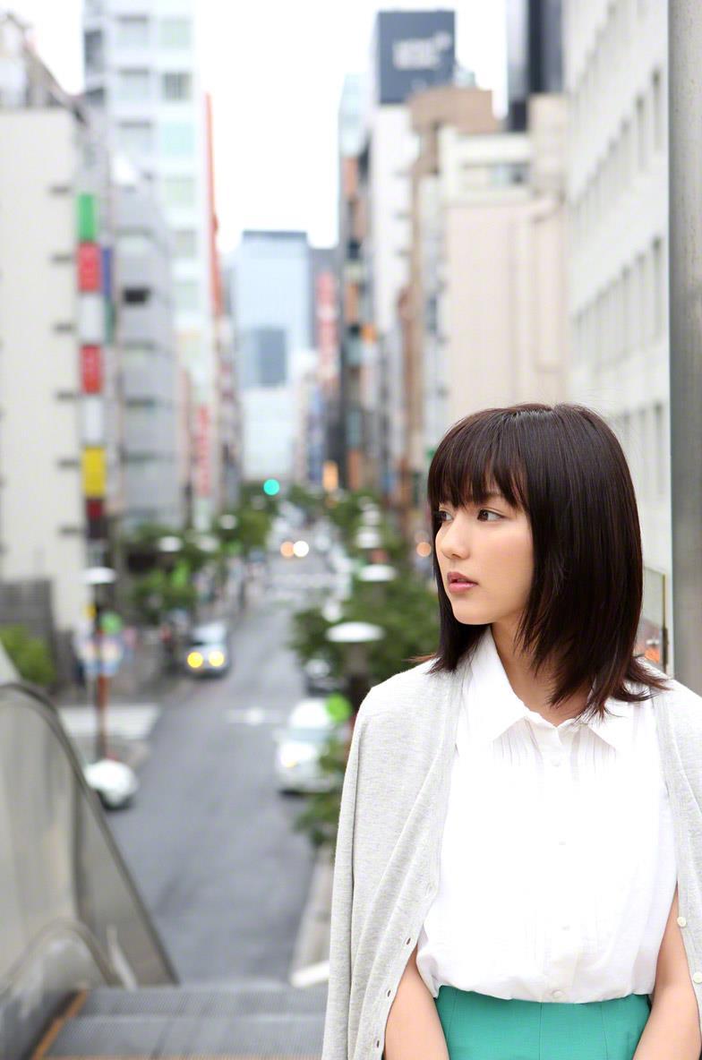 真野恵里菜 セクシー画像 12