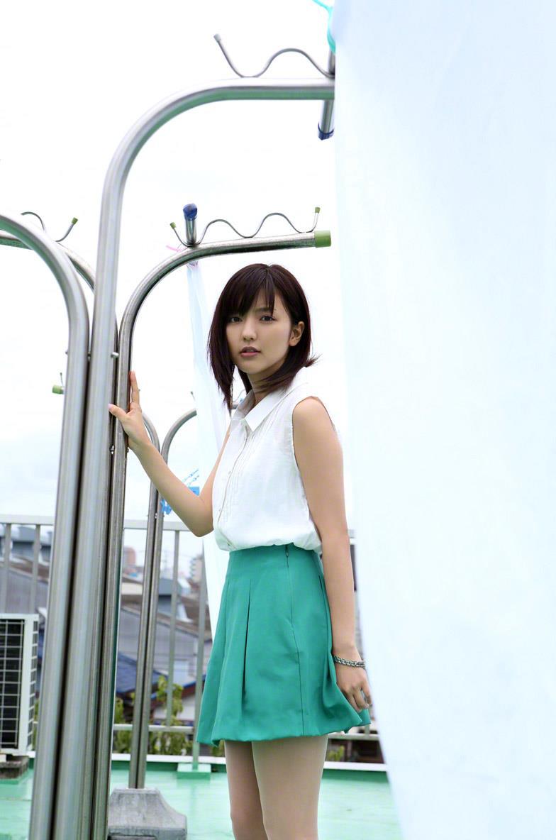 真野恵里菜 セクシー画像 16