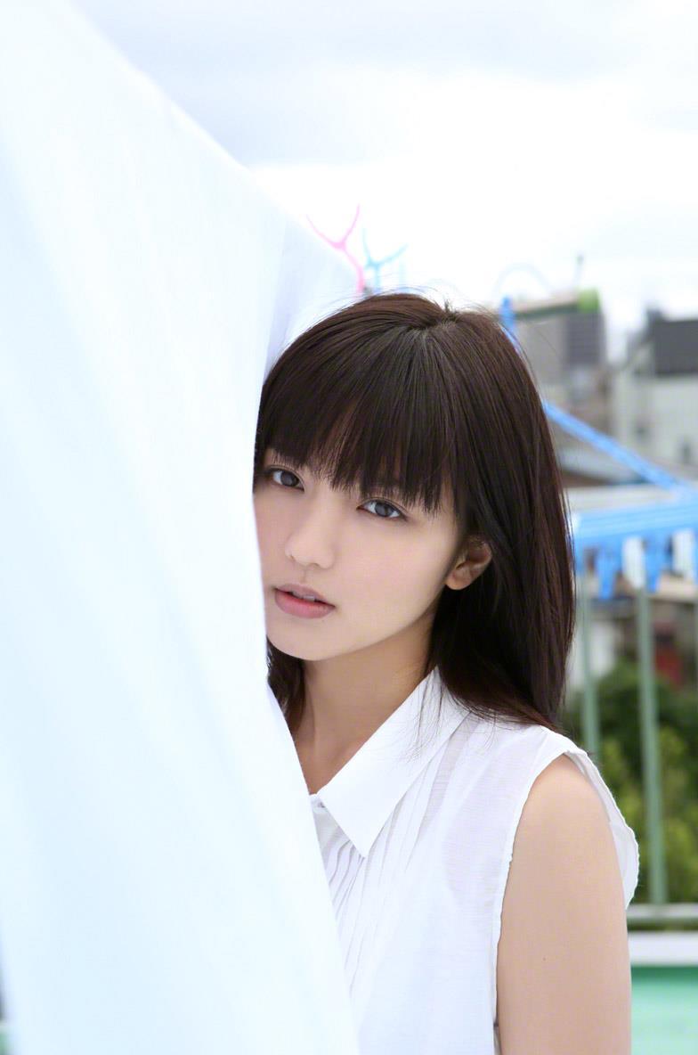 真野恵里菜 セクシー画像 24