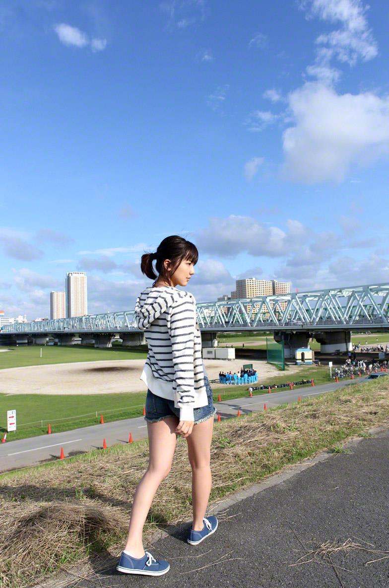 真野恵里菜 セクシー画像 36