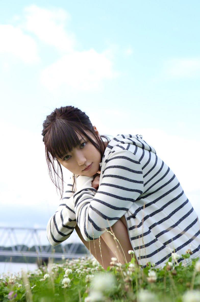 真野恵里菜 セクシー画像 48