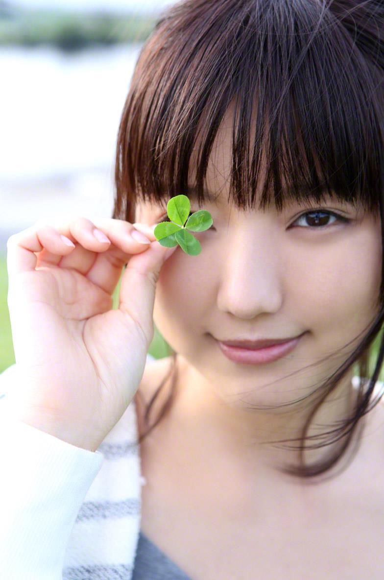 真野恵里菜 セクシー画像 50
