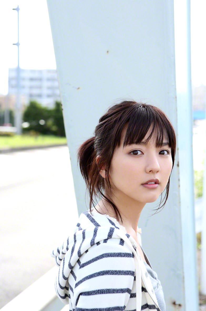 真野恵里菜 セクシー画像 52