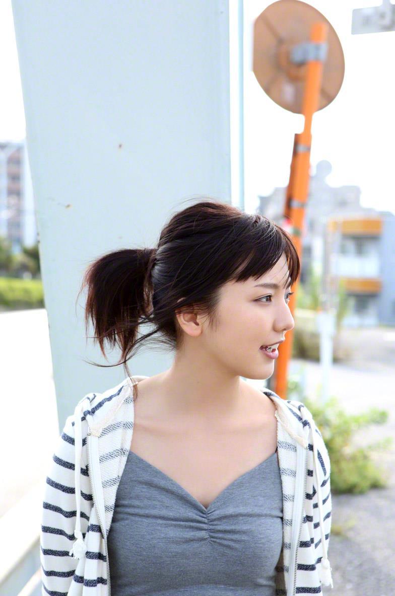 真野恵里菜 セクシー画像 53