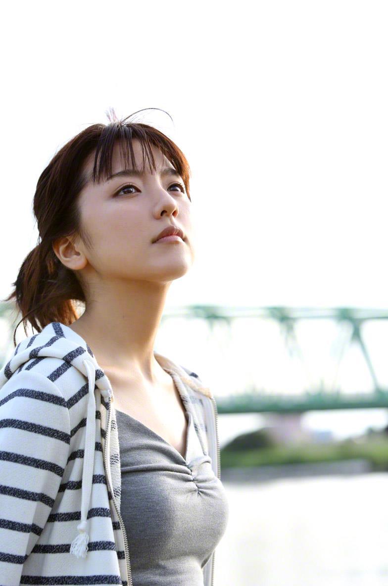 真野恵里菜 セクシー画像 62