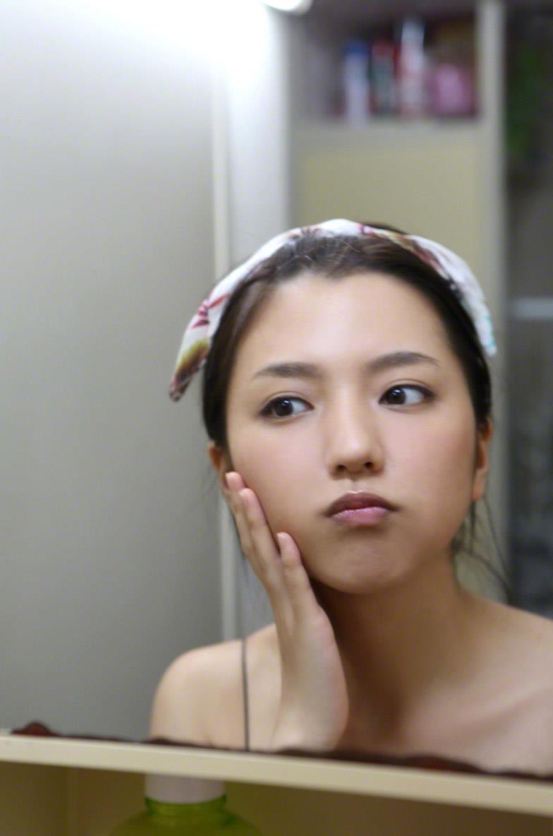 真野恵里菜 セクシー画像 64