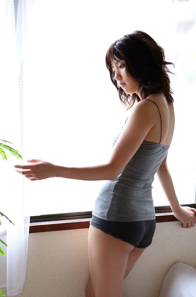 真野恵里菜 セクシー画像 67