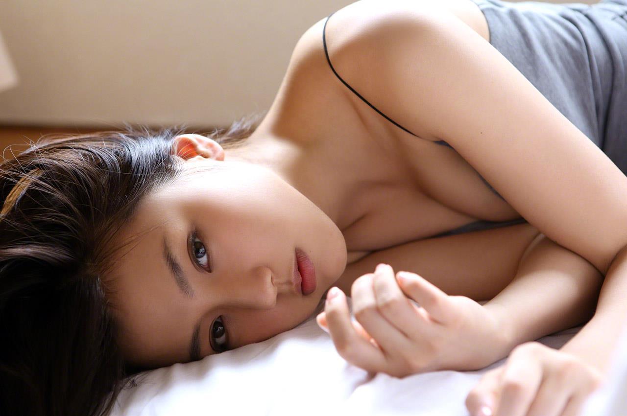 真野恵里菜 セクシー画像 72