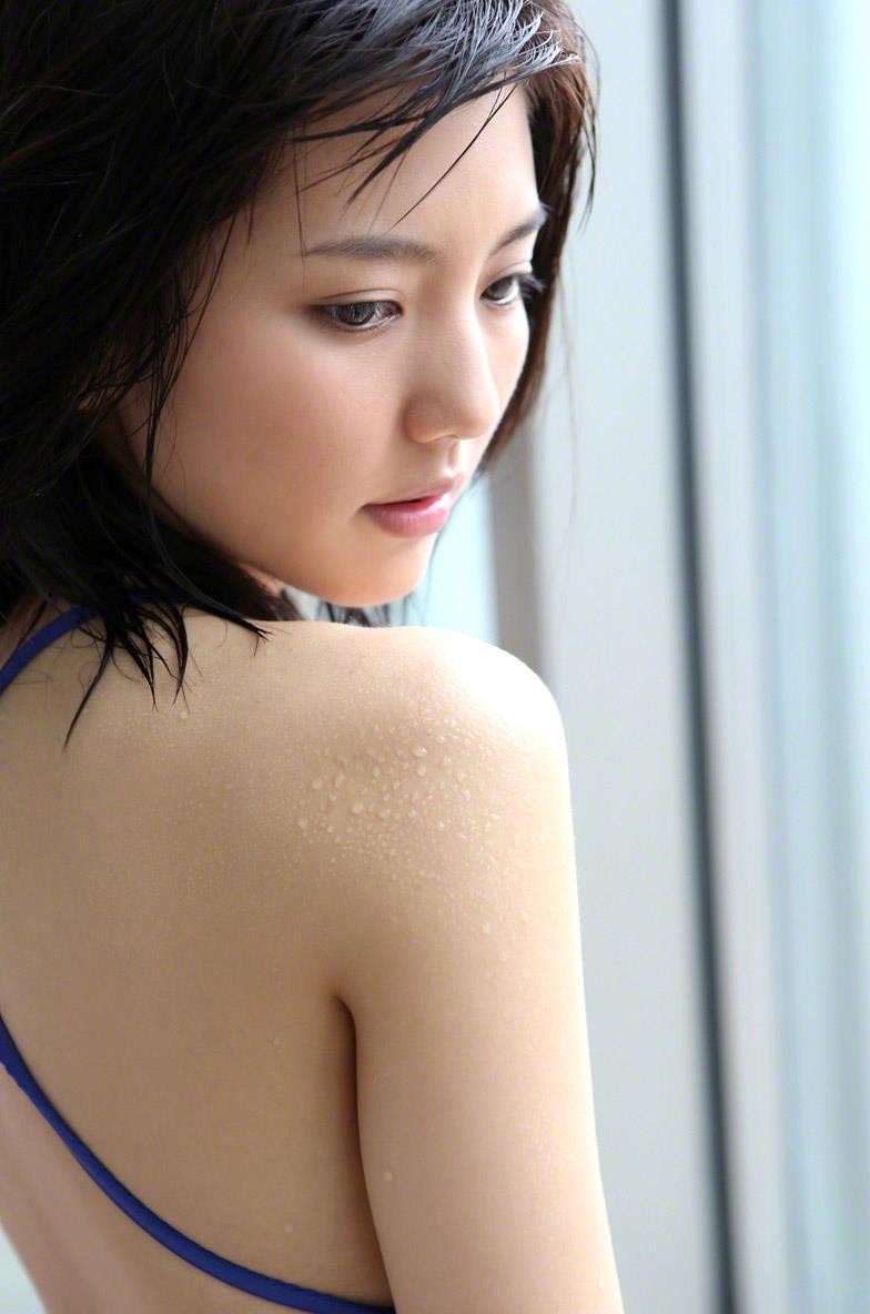 真野恵里菜 セクシー画像 94