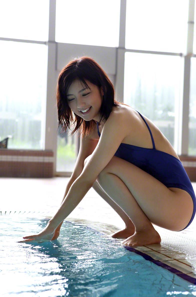 真野恵里菜 セクシー画像 102