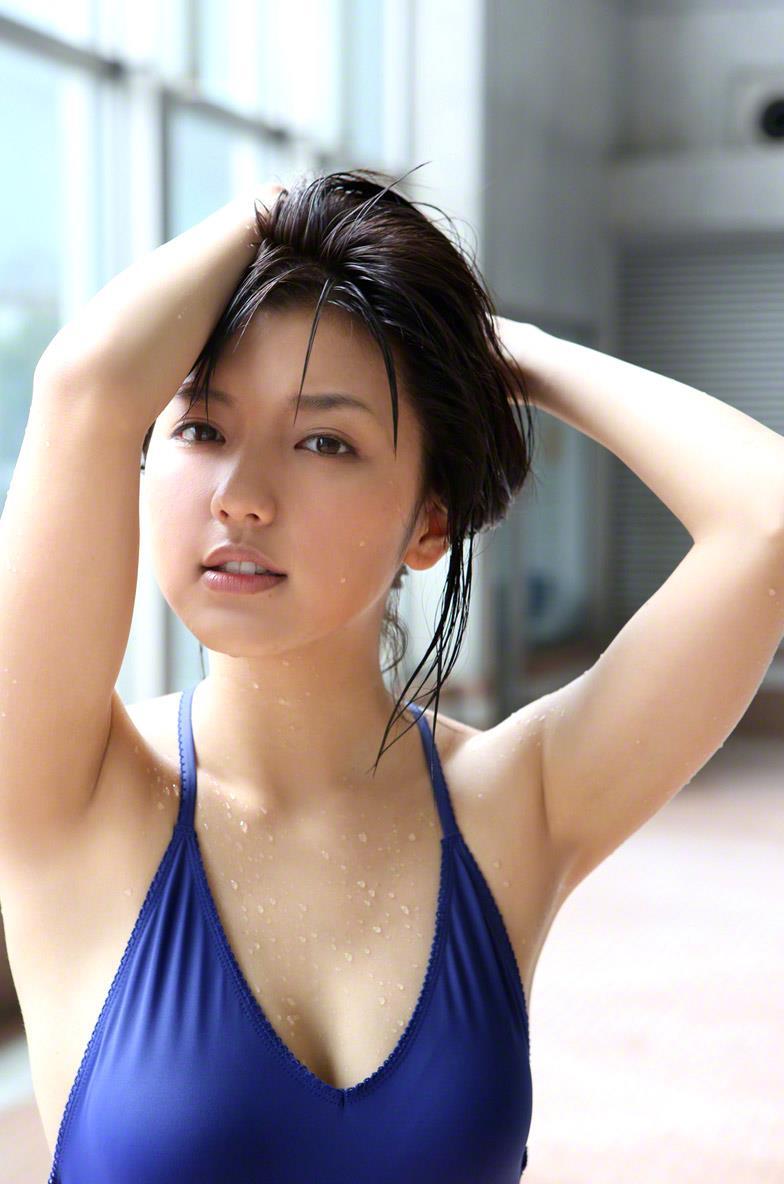 真野恵里菜 セクシー画像 121