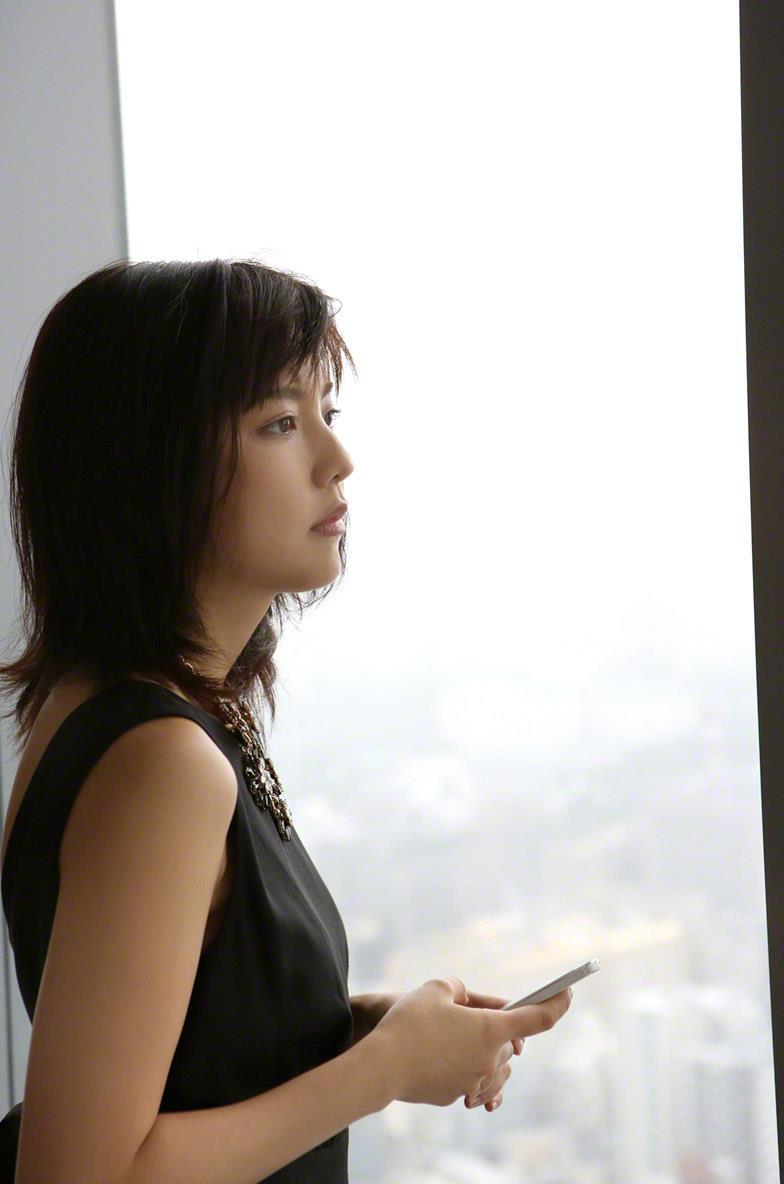 真野恵里菜 セクシー画像 152