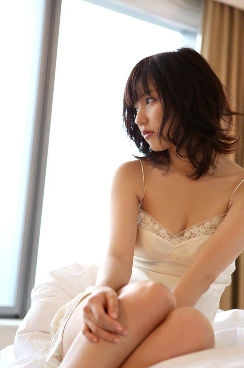 真野恵里菜 セクシー画像 155