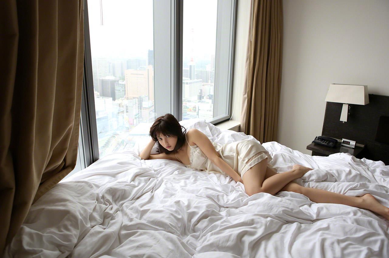 真野恵里菜 セクシー画像 161