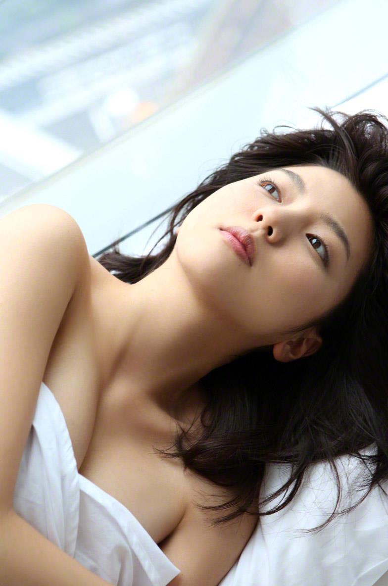 真野恵里菜 セクシー画像 177