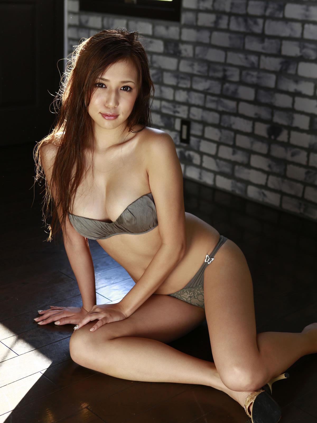 丸高愛実 セクシー画像 39
