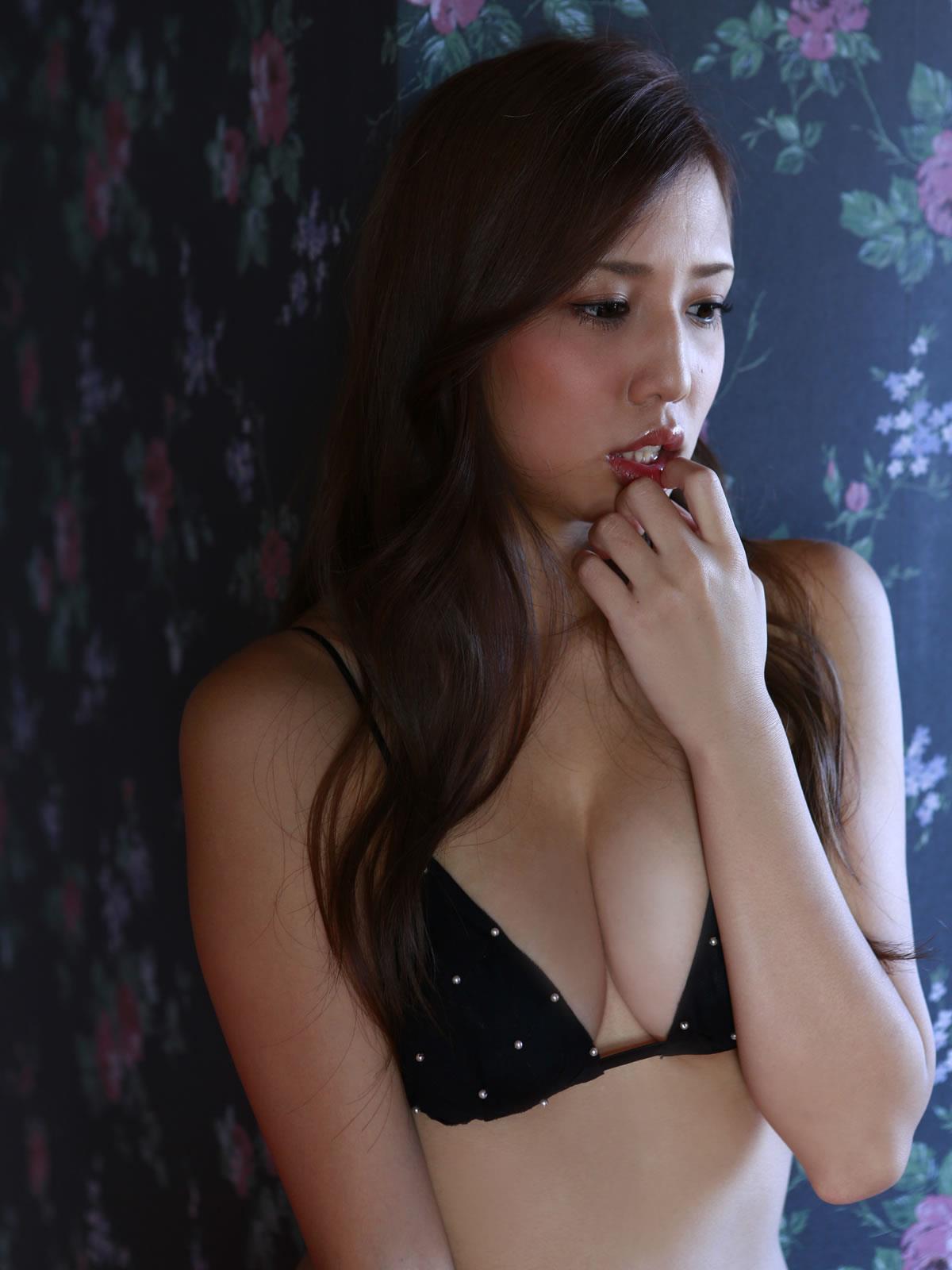 丸高愛実 セクシー画像 63