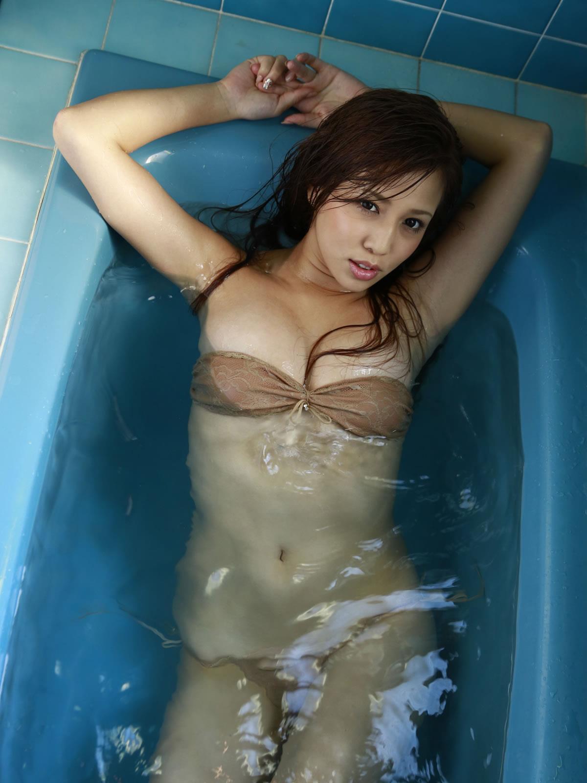 丸高愛実 セクシー画像 89