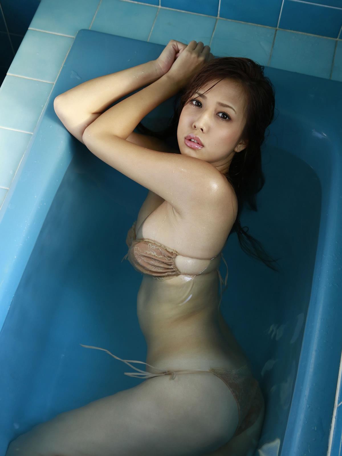 丸高愛実 セクシー画像 94