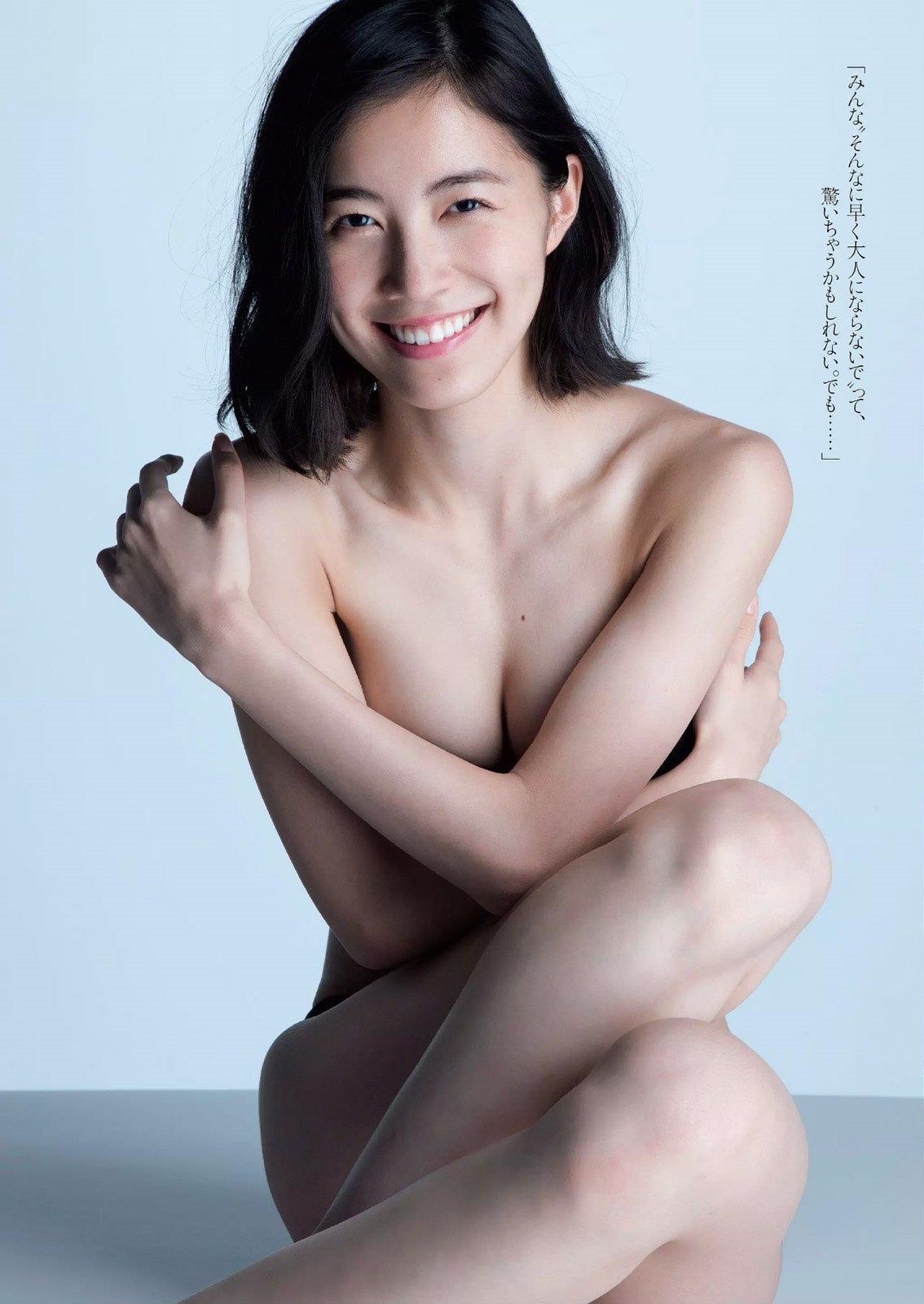 松井珠理奈の手ブラも過激なCカップ水着画像