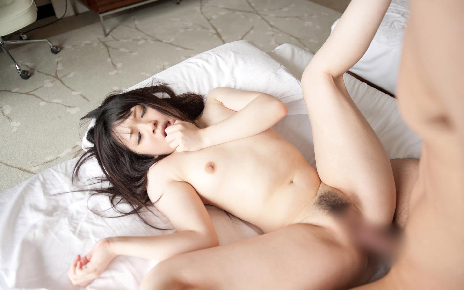 南梨央奈 ロリ体型の美少女AV女優 セックス画像106枚