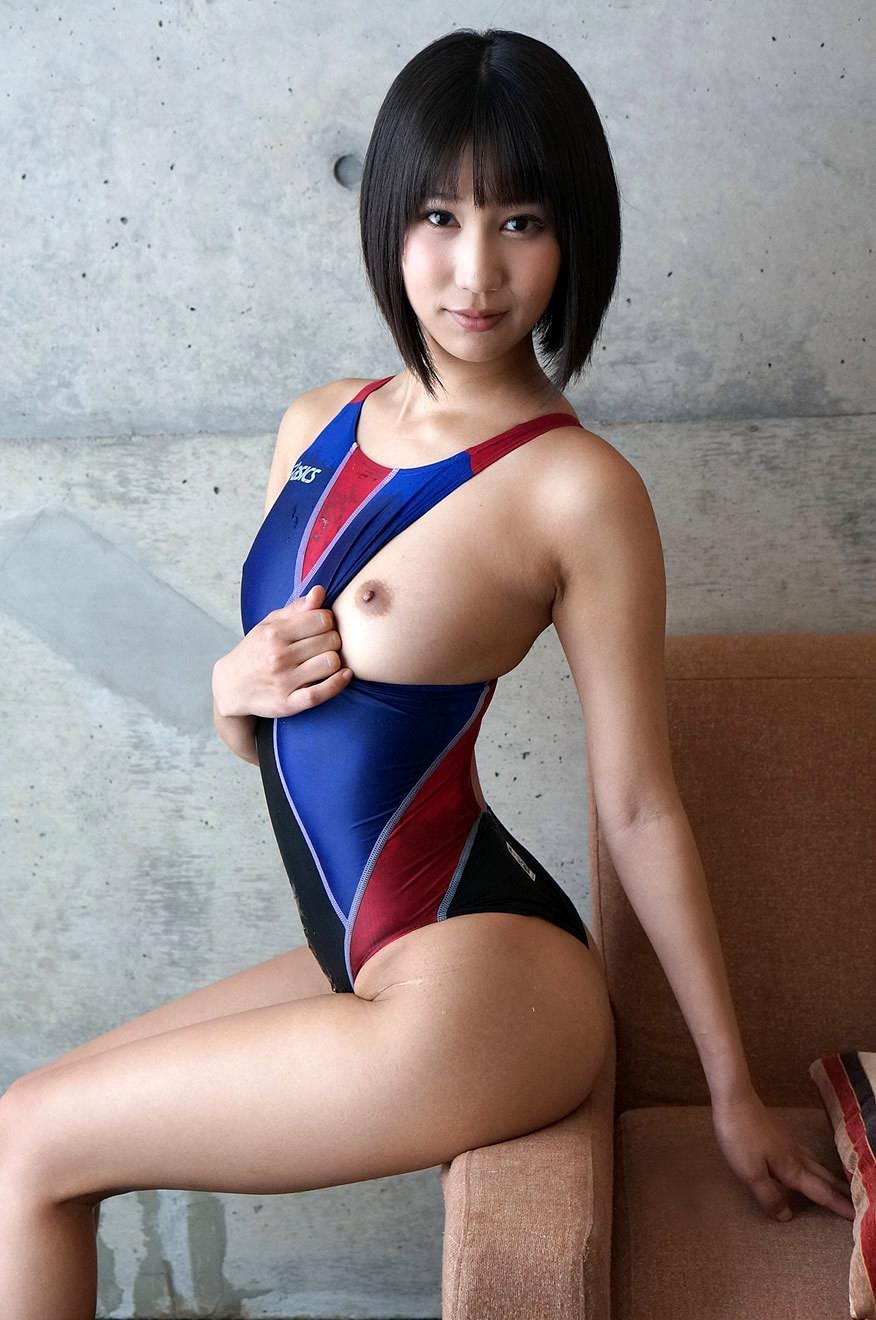 湊莉久 競泳水着エロ画像 78