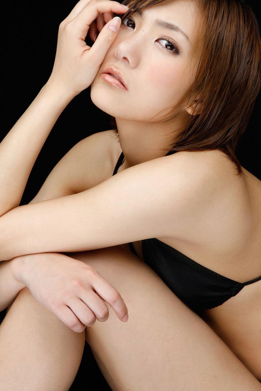 宮澤佐江の過激すぎるAカップ水着グラビア画像