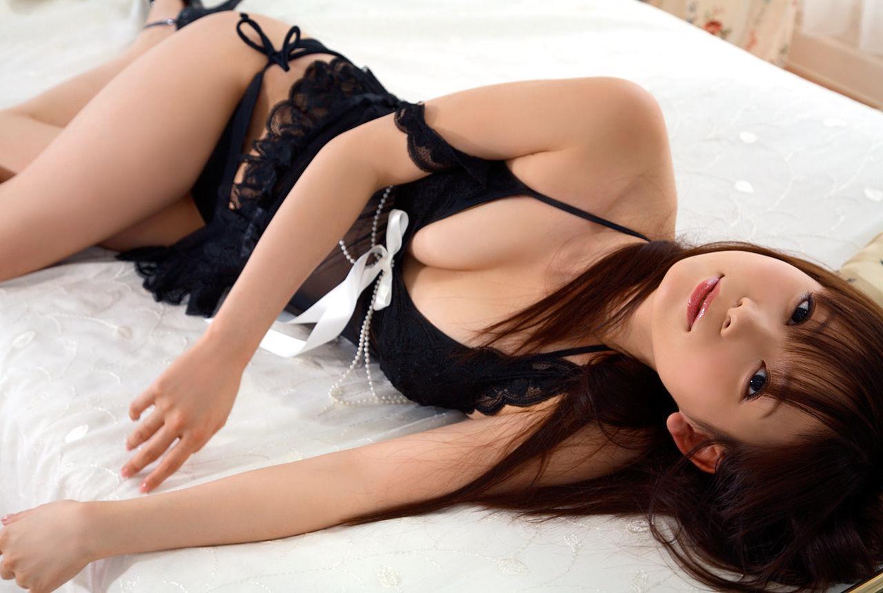 中川翔子 可愛いコスプレや過激な水着姿のエロ画像