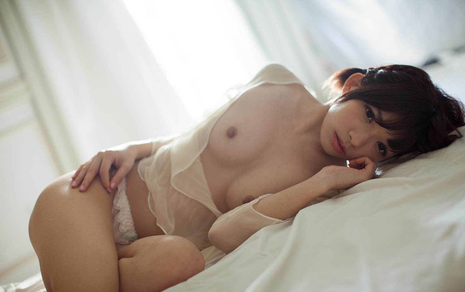 成海うるみ ヌード画像 69