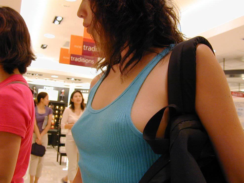 乳首透け画像 2